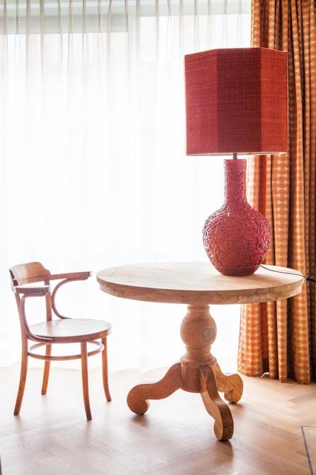 stoel-lamp-tafel-evelijn-ferwerda