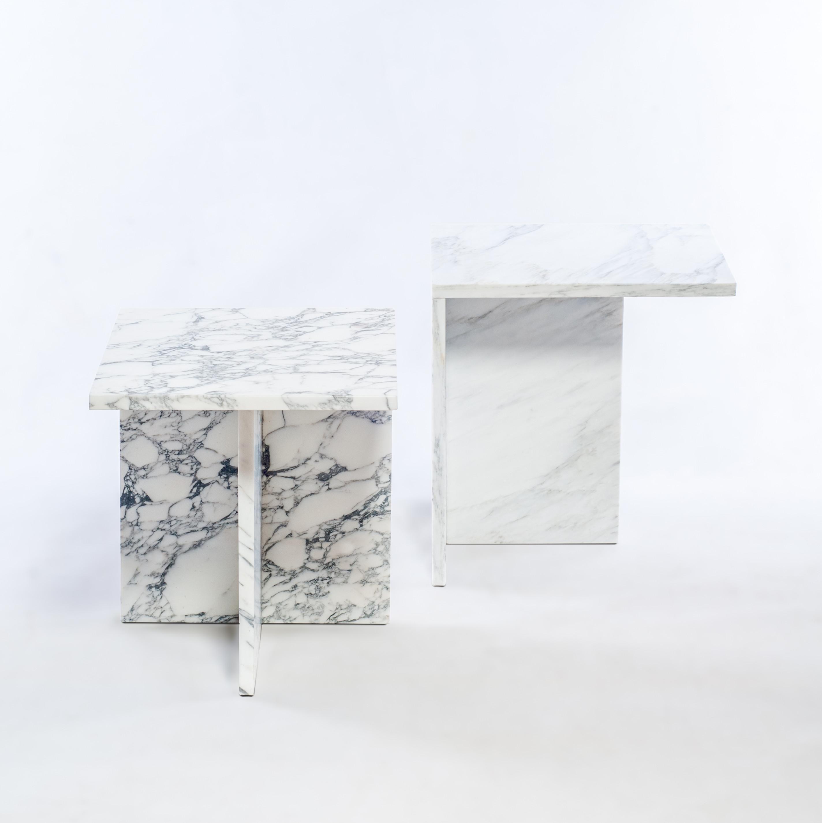 marmeren-bijzet-tafel