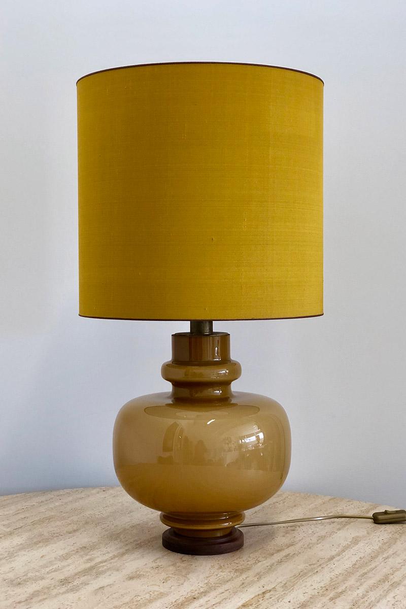 mosterdkleurige-lamp-online-galerie-evelijn-ferwerda-1